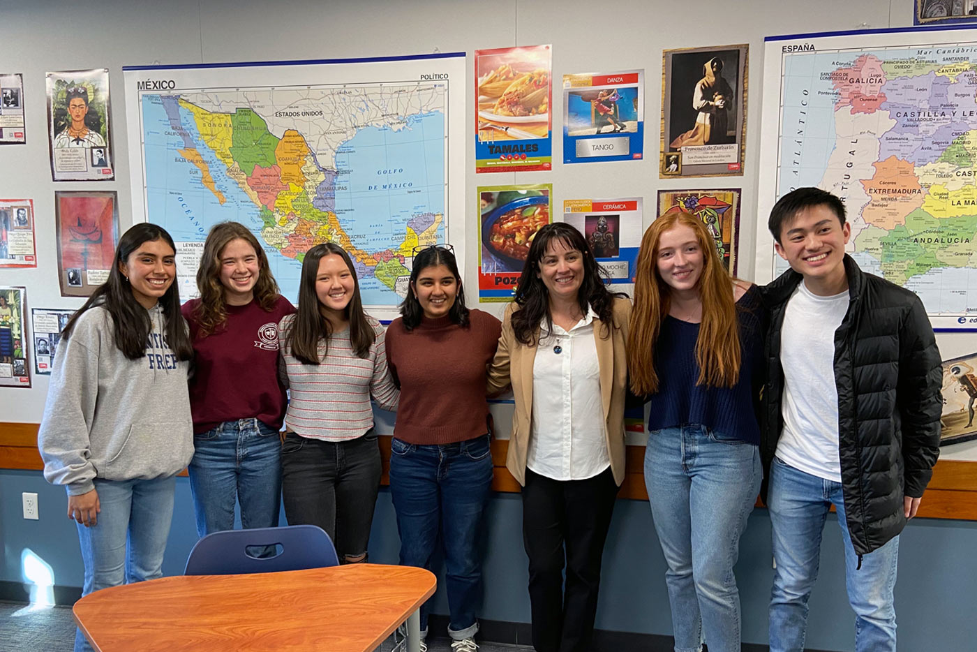 Jahselyn Medina '21, Sylvie Shure '20, Rachel McCarley '21, Maya Khurana '20, Partners for the Americas Vice President for Marketing Management and Global Citizenship Juliana Araujo, Alexis Lara '21, and Leon Kuo '21 met in February 2020 to discuss Prep's chapter application.