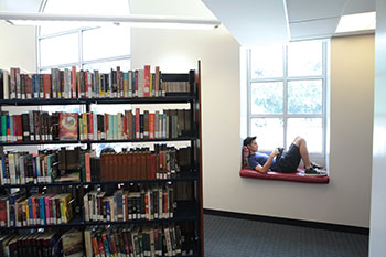 Flintridge Prep Library